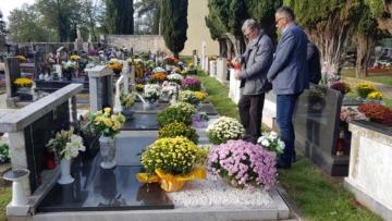 Obilježavanje blagdana Svih svetih na mjesnom groblju u Funtani