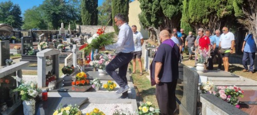 Obilježavanje 26. godišnjice pogibije hrvatskog branitelja Stipana Liovića na mjesnom groblju u Funtani