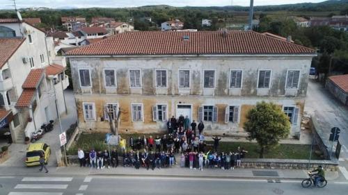 Zgrada stare škole u Funtani - Autor: Tomislav Kovačić